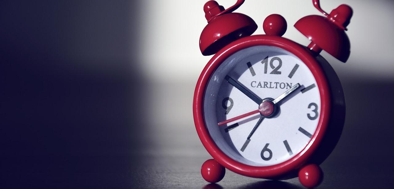 alarm-clock-590383_1280-2